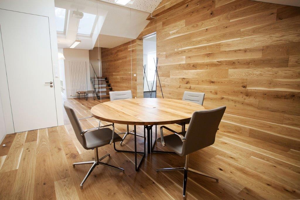 Zasedací stůl pro společnost MHA / Humpolec 2016 / roksor antracit / masiv dub